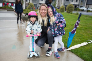 Lucianne and daughters